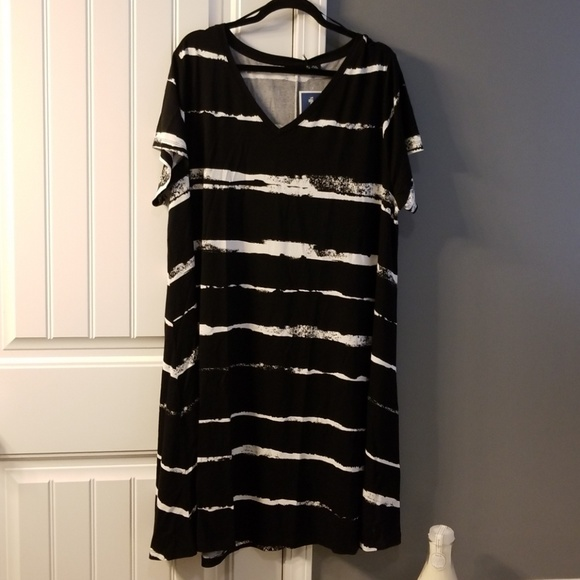 Adrienne Vittadini Dresses & Skirts - NWT Summer Dress 3x